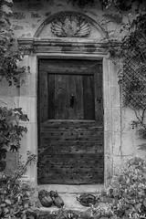 Porte à Carennac (nadineblanchard) Tags: portes noiretblanc