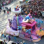 2017 Macy's Thanksgiving Day Parade - Shimmer and Shine thumbnail