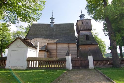 Kościół Wszystkich Świętych w Bliznem od północy