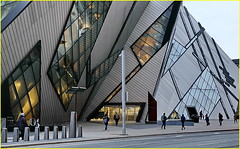 171205 Toronto Bloor Street Area (25) (Aben on the Move) Tags: toronto canada ontario bloorstreet rom city urban building architecture