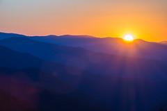 Smoky Mountains Sunrise (sniggie) Tags: appalachia greatsmokymountainsnp smokymountains dawn daybreak mountains sunrise mountain landscape oconalufteeoverlook