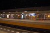 DSC04853-h-a (ZANDVOORTfoto.nl) Tags: heemstede aerdenhout station trein train railway trainstation long shutter lange sluitertijd nachtfoto nightpicture night zandvoort zandvoortfoto zandvoortfotonl