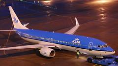Boeing 737-8K2 PH-BGA (707-348C) Tags: amsterdamschiphol airliner jetliner boeing boeing737 b738 eham klmroyaldutchairlines ams amsterdam klm phbga schiphol passenger oldcolours