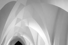 late Gothic vault (Blende1.8) Tags: albrechtsburg meisen gothic lategothic vault gewölbe sachsen minimalism minimalismus white lines curves light shadows shadow interior architecture architektur castle schloss leica dlux 109 carstenheyer historic historical historisch abstract abstrakt