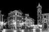 Oviedo, plaza del Ayuntamiento (ccc.39) Tags: españa asturias oviedo nocturna ciudad urbana city urban night byn bw negro black blancoynegro blackwhite ayuntamiento street lights