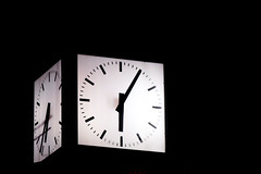 TimePasses (enessadi) Tags: nightlife clock uhr night a58 sony photography photograph photographers photooftheday photo munich bavaria bayern