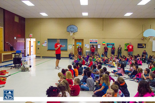 "2017 KC Wolf Visits Sheridan • <a style=""font-size:0.8em;"" href=""http://www.flickr.com/photos/150790682@N02/38535086522/"" target=""_blank"">View on Flickr</a>"