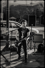 mesa music fest 09984 (m.r. nelson) Tags: mesamusicfest 2017 mesa az arizona southwest usa mrnelson marknelson markinaz blackwhite bw monochrome blackandwhite bwartphotography portraits peoplemesamusicfestivalmesa2017