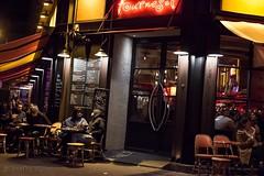 Profiter de la dernière douceur (Agathe HC) Tags: bar terrasse rue street devanture agathehurtigcadenel agathe hurtig
