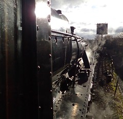 5) Great Central Railway Loughborough Leicestershire 26th November 2017 (loose_grip_99) Tags: great central railway railroad rail train leicestershire loughborough eastmidlands england uk steam engine locomotive lms stanier 8f 280 48624 santa preservation transportation gassteam uksteam trains railways november 2017 contrejour