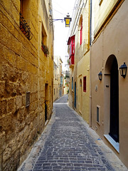 Victoria, Gozo, Malta - Oct 2017 (Keith.William.Rapley) Tags: keithwilliamrapley rapley 2017 gozo malta october oct oct2017 alleyway alley narrowbyways narrow cittàvictoria rabat