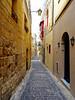 Victoria, Gozo, Malta - Oct 2017 (Keith.William.Rapley) Tags: keithwilliamrapley rapley 2017 gozo malta october oct oct2017 alleyway alley narrowbyways narrow cittàvictoria rabat
