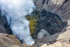... view into hell ... (wolli s) Tags: bromo indonesia indonesien java schwefel vulcano vulkan hell landscape smoke sulfur timur volcanic volcaniclandscape volcano sukapura jawatimur id nikon 18105