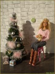 1.advent day - advent calendar with dolls 2017 (Mary (Mária)) Tags: christmas christmastree christmas2017 advent barbie doll calendar mattel teresa pink silver christmastime christmasornaments miniatures toys marykorcek dollphotography angel handmade