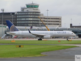United Airlines B757-224 N17126 taxiing at MAN/EGCC