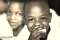 Tanzania (Crowley Groot) Tags: tanzania africa chico kid portrait retrato gente people portraiture mojado miradas canon 7d mark2 ojos eyes primerplano