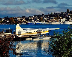 de Havilland Otter (otterdrivernw) Tags: xt2 xf50140 fujifilmx fujix fujifilm clouds downtown docks blue water lakes turbo turbine dhc3t dhc3 otter dehavilland floatplanes seaplanes
