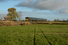 150002. Purton. 19-11-2017 (*Steve King*) Tags: purton collins lane crossing swindon class 150 150002 great western passenger train