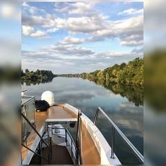 Sailing on the Saône [Explored] (mahesh.kondwilkar) Tags: saone lasaône river clouds bluesky cruise france bourgogne burgundy bourgognefranchecomté europe travel
