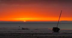 l'aurore (Natomevan) Tags: aube aurore bretagne france cancale brittany sunrise bateau boats sea mer ciel sky cielo sun soleil leverdesoleil