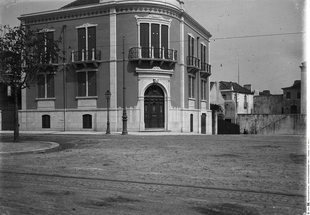 Av. António Augusto de Aguiar e Rua Augusto Santos, a S. Sebastião, Lisboa, c. 1909. Joshua Benoliel in Arquivo Fotográfico da C.M.L..