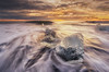 Paya Hielos (pajavi69) Tags: iceland islandia paisaje amanecer dawn landscape beach playa agua water waterlandscape paisajedeagua hielo ice nikon naturaleza nature lights luces d710 silks sedas marine marina sea mar cielo sky iceberg nieve océano bahía arena