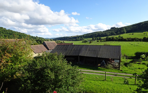 Farmbuildings behind Stokesay Castle