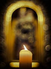 The quiet, peaceful and contemplative time begins ... (davYd&s4rah) Tags: jesus mary dom regensburg dunkel dark frieden ruhe besinnlich weihnachten christmas joy peace epl7 olympus winter darkness church bokeh pentacon light candle
