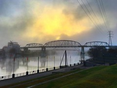 Sunrise over the Cumberland river, Nashville. (Hotnige) Tags: river bridge morning usa sunrise nashville