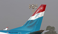 LX-LGV LMML 12-11-2017 (Burmarrad (Mark) Camenzuli) Tags: airline luxair luxembourg airlines aircraft boeing 7378c9 registration lxlgv cn 41190 lmml 12112017