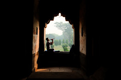 17105031 (felipe bosolito) Tags: lodigardens delhi india flute morning silhouette window view music park fuji xpro2 xf1655 velvia