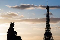 Paris (Yann OG) Tags: paris parisien parisian france french français contrejour placedelaconcorde toureiffel eiffeltower statue sunset coucherdusoleil pentacon135f28 m42 vintagelenses