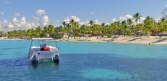 "La Romana (Dom. Republic) (Lutz M. Hirschmann) Tags: ""dominikanische republik"" ""república dominicana"" ""dominican republic"" ""la romana"" ""isla catalina"" beach playa caribic karibik strand kreuzfahrtschiff ""cruising ship"" ""aidaluna"" aida kreuzfahrt panasonic ""lumix fz300"""