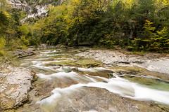 Río Bellós en Cumaz (Mikel Rmx) Tags: cumaz cañondeañisclo parquenacionaldeordesaymonteperdido otoño canoneos1100d naturaleza pirineos pirineoaragonés nature autumn rinconesdearagón