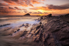 Wembury Sunset (Rich Walker75) Tags: beach sunset sunsets rock sea water waves longexposure longexposures longexposurephotography landscape landscapes landscapephotography coast coastline coastal wave island rocks seascape seascapes plymouth devon canon eos100d efs1585mmisusm eos england
