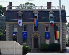 Captain John Hodges House (RockN) Tags: captainjohnhodges 1750 flags salem massachusetts newengland
