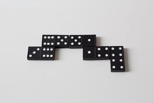 Playing domino