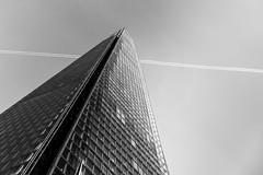 London; The Shard (drasphotography) Tags: london great britain england architecture architektur building monochrome monochromatic monotone blackandwhite bw bianconero sw schwarzweis looking up sky trails modern drasphotography nikon d810 nikkor2470mmf28