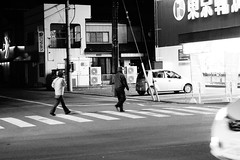 Two persons exist on this street. (憂-ICHIRO) Tags: street snap sony rx100