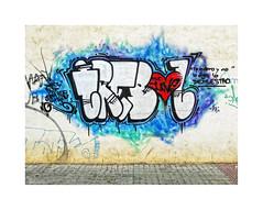 Mensajes urbanos... (ángel mateo) Tags: ángelmartínmateo ángelmateo mensajesurbanos arteurbano mensaje graffiti pared dibujos textos urbanmessages urbanart message wall drawings texts elejido almería andalucía españa corazón amor heart love