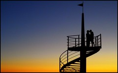 Stairway to Heaven (robertar.) Tags: sunset scala tocana bacio kiss persone colore tuscany cecina