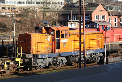 Saar Rail: Lok 72 rangiert mit Torpedopfannenwagen in Völklingen