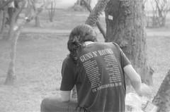 Guns N' Roses (Nai.) Tags: pentaxmz3 kentmere400 pentaxf35105 blackandwhitefilm analog slr people gunsnroses