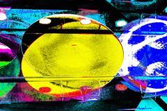 Estante (seguicollar) Tags: platos cerámica metal amarillo imagencreativa photomanipulación art arte artecreativo artedigital virginiaseguí estante basar exposición