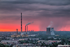 2017.12.04 Początek dnia po krakowsku (Meteor Foto) Tags: meteorfoto krakowskiponiedziałek kraków krakow wschódsłońca wschodslonca kombinat łęg elektrociepłowniałęg elektrocieplownialeg świt poranek chmury deszcz kolory