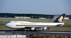 Singapore 747 '9V-SMV' (Longreach - Jonathan McDonnell) Tags: scan scanfromaslide germany frankfurt frankfurtammain eddf boeing 747 boeing747 sia singaporeairlines 747400 747412 2000s 2001