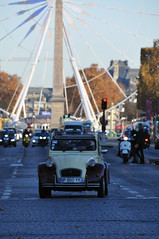 Deuche & Obelisque (jeangrgoire_marin) Tags: deuche citroen 2cv vintage collector elysees paris avenue