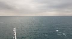 Fuori! / Out! (Luigi Rosa) Tags: silversea silver spirit egitto egypt canale canal suez مَصر acqua water cielo sky nuvola cloud barca boat mare sea rosso red