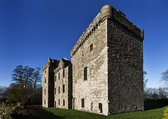 Huntingtower Castle Perth _MG_4947 (ronniefleming@btinternet.com) Tags: tripadvisor visitscotland walkhighlands perthshire ronnieflemingph31fy castle tower blueskies stonerubblewalls historicscotland trees staircase