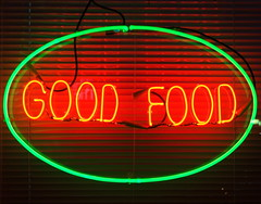 good food (s i l e n t p i c t u r e s) Tags: goodfood singletube neonsign donlandsrestaurant donlandsavenue toronto